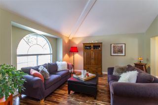 Photo 4: 20 FLAVELLE Drive in Port Moody: Barber Street House for sale : MLS®# R2437428