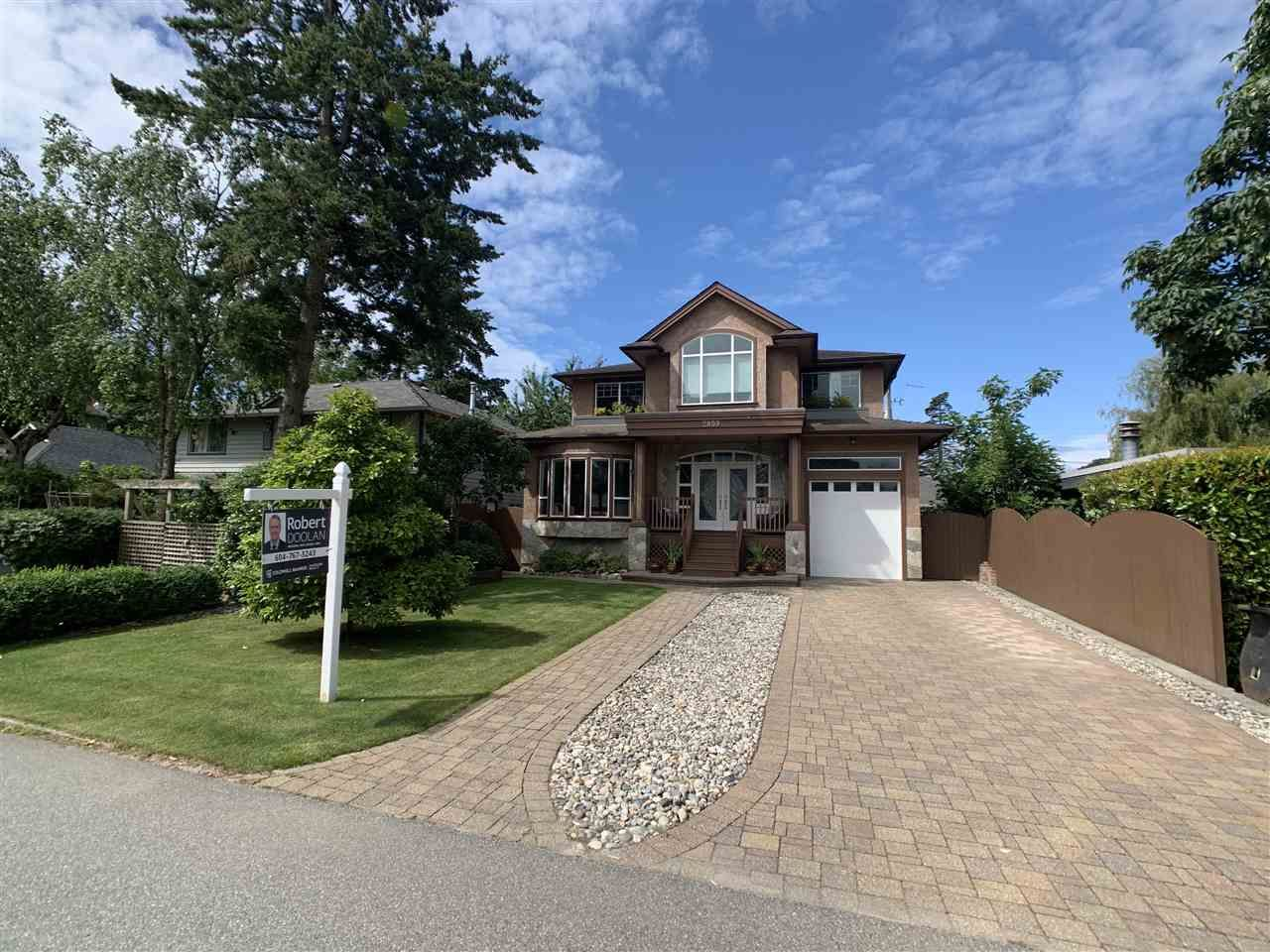 "Main Photo: 2859 MCKENZIE Avenue in Surrey: Crescent Bch Ocean Pk. House for sale in ""Crescent Beach"" (South Surrey White Rock)  : MLS®# R2529521"