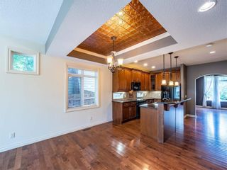 Photo 10: 529 24 Avenue NE in Calgary: Winston Heights/Mountview Semi Detached for sale : MLS®# A1021988