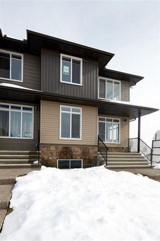 Photo 4: 9020 52 Street NE in Calgary: Saddle Ridge Semi Detached for sale : MLS®# C4209406