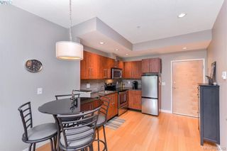 Photo 4: 304 611 Brookside Rd in VICTORIA: Co Latoria Condo for sale (Colwood)  : MLS®# 782441