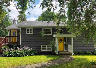 Photo 1: 950 Highway 341 in Upper Dyke: 404-Kings County Residential for sale (Annapolis Valley)  : MLS®# 202120938