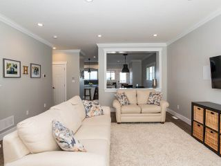 """Photo 7: 21153 77B Avenue in Langley: Willoughby Heights Condo for sale in """"Yorkson Shaunessy Mews"""" : MLS®# R2338148"""