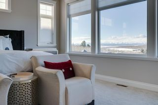 Photo 12: 2533 77 Street SW in Calgary: Springbank Hill Detached for sale : MLS®# A1065693