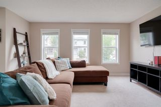 Photo 8: 233 Elgin Manor SE in Calgary: McKenzie Towne Detached for sale : MLS®# A1138231