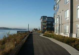 "Photo 18: 410 14300 RIVERPORT Way in Richmond: East Richmond Condo for sale in ""WATERSTONE PIER"" : MLS®# V850295"