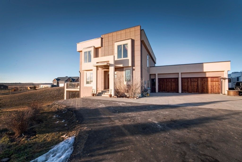 Main Photo: 32050 292 Avenue E: Rural Foothills M.D. Residential Detached Single Family for sale : MLS®# C3651103