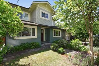 Photo 3: 2236 E Pender Street in Vancouver: Grandview VE House for sale (Vancouver East)  : MLS®# R2073977