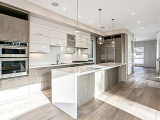 Photo 5: 3704 5 Avenue SW in Calgary: Spruce Cliff Detached for sale : MLS®# C4296636