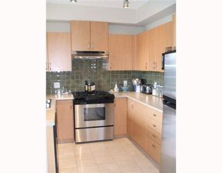 """Photo 7: 3 2978 WHISPER Way in Coquitlam: Westwood Plateau Townhouse for sale in """"WHISPER RIDGE"""" : MLS®# V643247"""