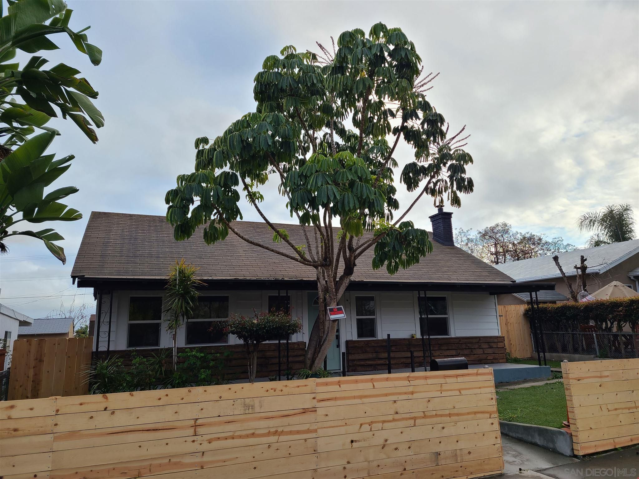 Main Photo: LOGAN HEIGHTS House for sale : 3 bedrooms : 3875 Superba St in San Diego