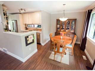 """Photo 3: 1807 LILAC Drive in Surrey: King George Corridor Townhouse for sale in """"ALDERWOOD PLACE"""" (South Surrey White Rock)  : MLS®# F1321889"""