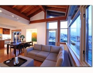 Photo 3: # 208 550 17TH ST in West Vancouver: Condo for sale : MLS®# V800376