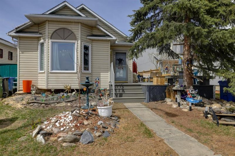 FEATURED LISTING: 189 Hunterhorn Drive Northeast Calgary