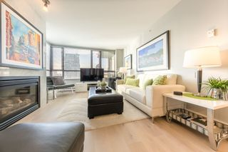 "Photo 1: 602 1003 PACIFIC Street in Vancouver: West End VW Condo for sale in ""SEASTAR"" (Vancouver West)  : MLS®# R2329936"