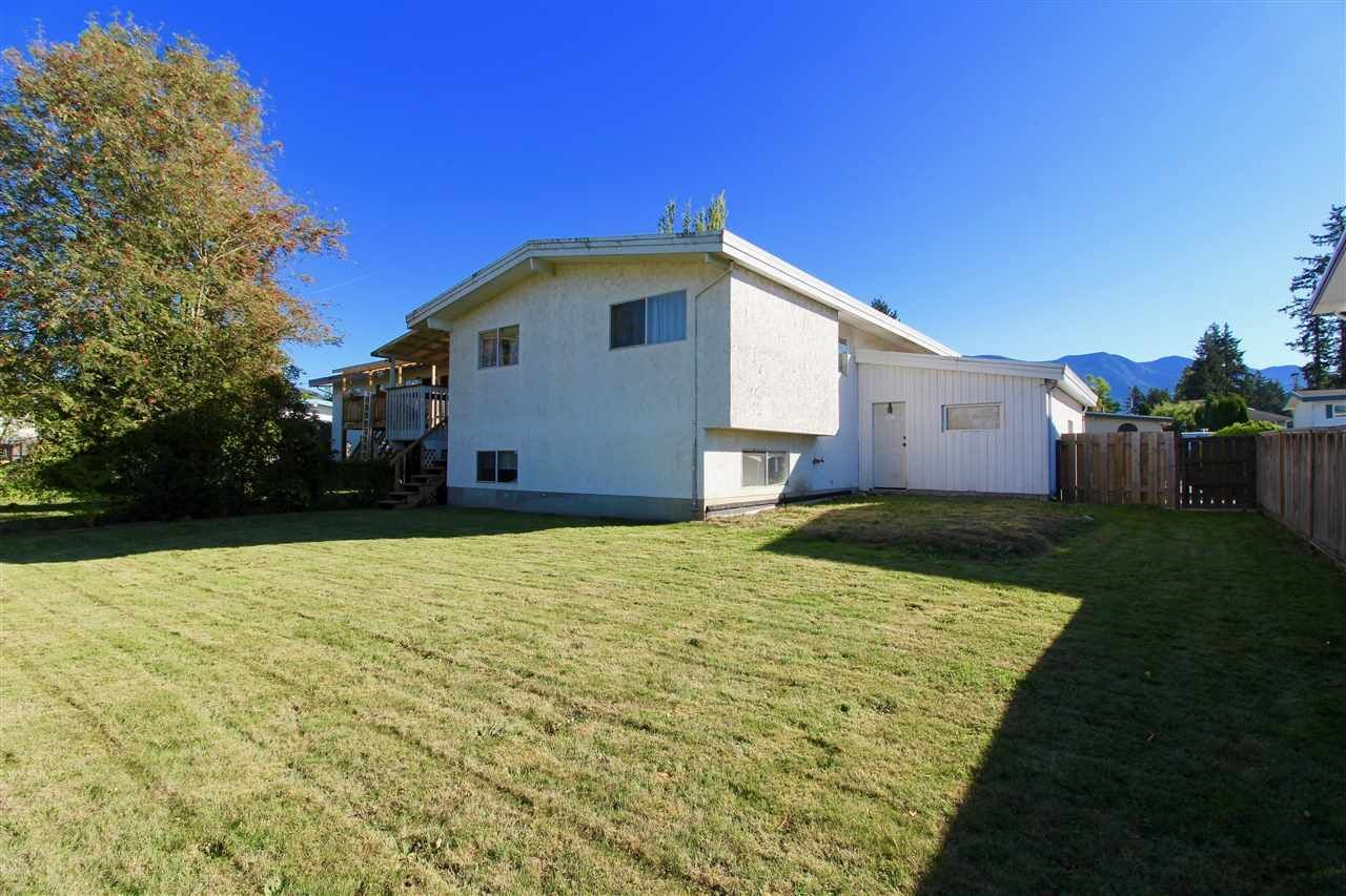 Photo 19: Photos: 6029 GLENGARRY Drive in Sardis: Sardis West Vedder Rd House for sale : MLS®# R2211017