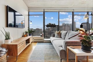 """Photo 2: 2508 128 W CORDOVA Street in Vancouver: Downtown VW Condo for sale in """"WOODWARDS"""" (Vancouver West)  : MLS®# R2625433"""