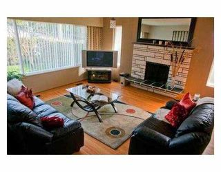 Photo 2: 6698 E BROADWAY in Burnaby: Parkcrest House for sale (Burnaby North)  : MLS®# V952872