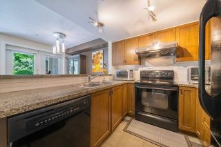 """Photo 13: 25 7428 SOUTHWYNDE Avenue in Burnaby: South Slope Townhouse for sale in """"LEDGESTONE"""" (Burnaby South)  : MLS®# R2590094"""