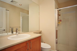 Photo 5: 209 2601 Whiteley Court in North Vancouver: Lynn Valley Condo for sale : MLS®# R2112893