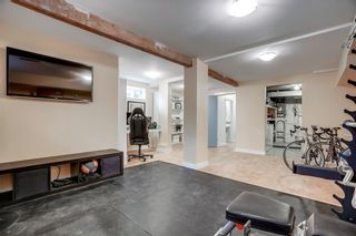 Photo 13: 3810 1 Street NW in Calgary: Highland Park Semi Detached for sale : MLS®# C4245221