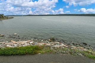 Photo 30: 307 87 S Island Hwy in Campbell River: CR Campbell River Central Condo for sale : MLS®# 887743