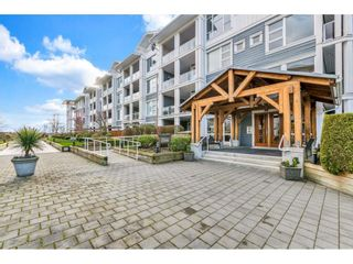 """Photo 2: 118 4500 WESTWATER Drive in Richmond: Steveston South Condo for sale in """"COPPER SKY WEST"""" : MLS®# R2434248"""