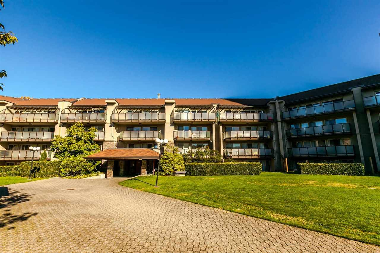 Main Photo: 425 4373 HALIFAX STREET in Burnaby: Brentwood Park Condo for sale (Burnaby North)  : MLS®# R2216919