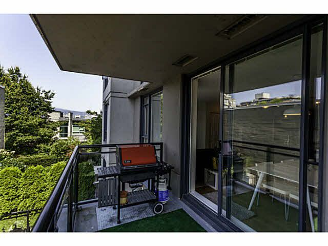 """Photo 8: Photos: 404 1650 W 7TH Avenue in Vancouver: Fairview VW Condo for sale in """"VIRTU"""" (Vancouver West)  : MLS®# V1079673"""