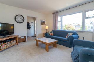 Photo 4: 2416 Mowat St in : OB Henderson House for sale (Oak Bay)  : MLS®# 881551