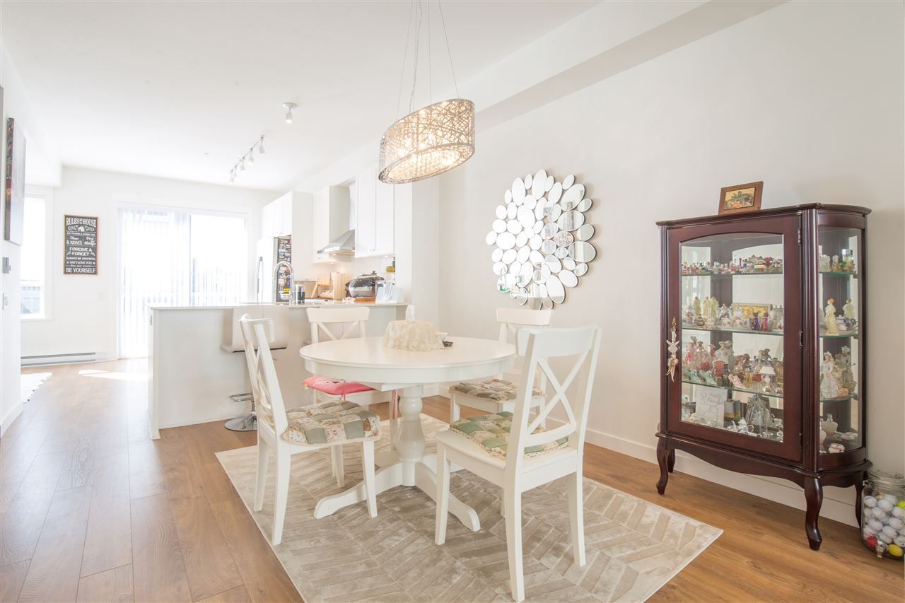 """Photo 7: Photos: 90 8438 207A Street in Langley: Willoughby Heights Townhouse for sale in """"YORK BY MOSAIC"""" : MLS®# R2352607"""