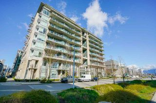 """Photo 31: 2 ATHLETES Way in Vancouver: False Creek Townhouse for sale in """"KAYAK-THE VILLAGE ON THE CREEK"""" (Vancouver West)  : MLS®# R2564490"""