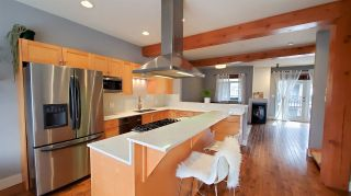 """Photo 2: 3 39758 GOVERNMENT Road in Squamish: Northyards 1/2 Duplex for sale in """"Arbourwoods"""" : MLS®# R2548997"""