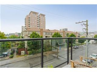 Photo 10: 302 932 Johnson Street in VICTORIA: Vi Downtown Residential for sale (Victoria)  : MLS®# 299733