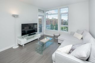 """Photo 8: 406 3263 PIERVIEW Crescent in Vancouver: South Marine Condo for sale in """"Rhythm"""" (Vancouver East)  : MLS®# R2480394"""