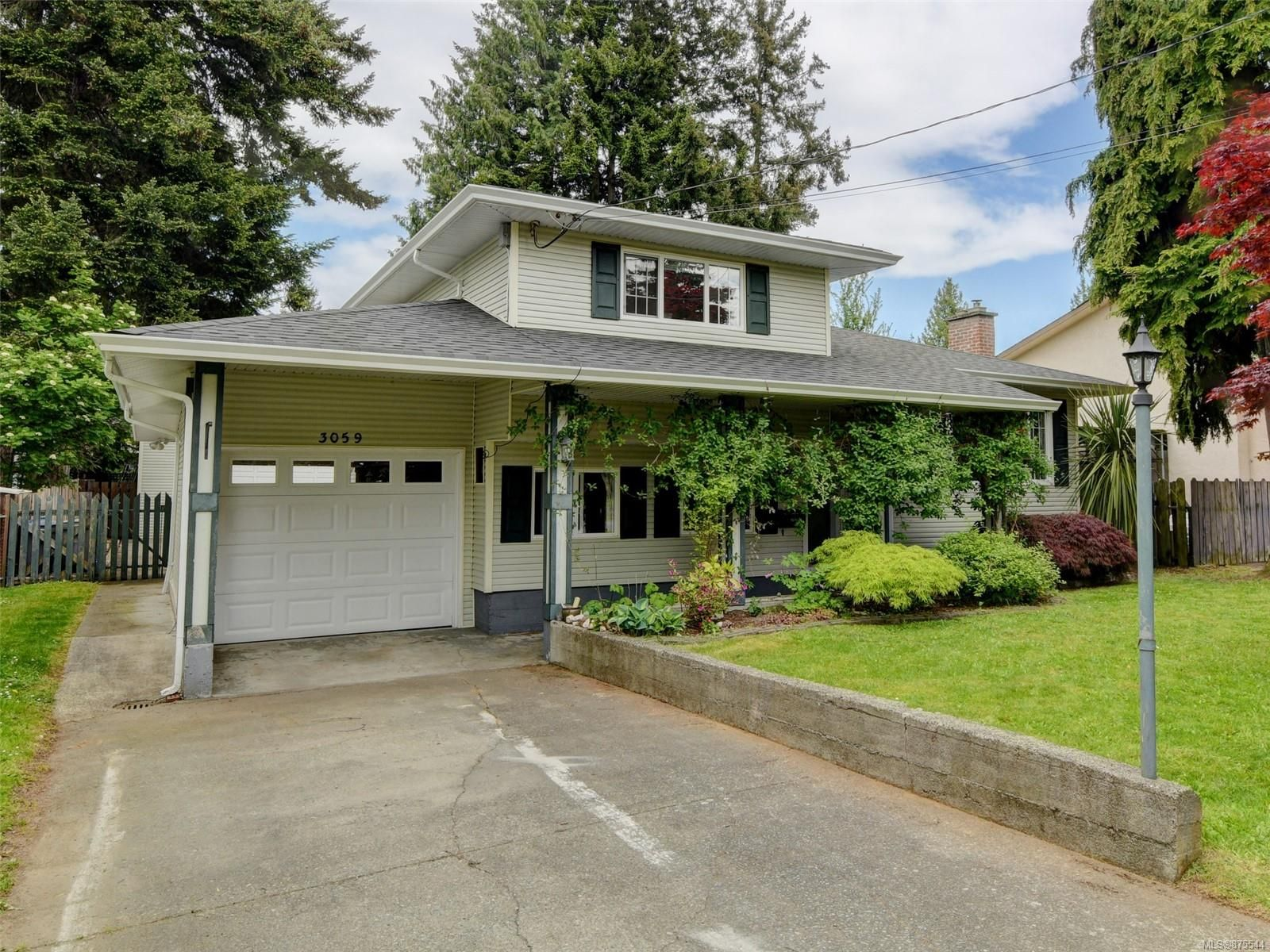 Main Photo: 3059 Jenner Rd in : Co Wishart North House for sale (Colwood)  : MLS®# 875544