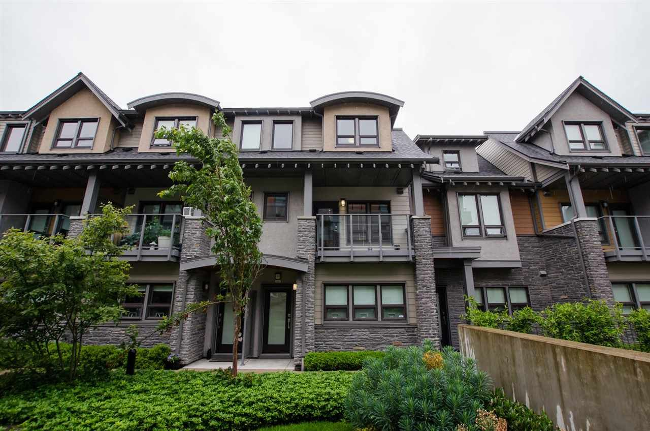 """Main Photo: 210 1738 55A Street in Tsawwassen: Cliff Drive Townhouse for sale in """"CITY HOMES - NORTHGATE"""" : MLS®# R2465451"""