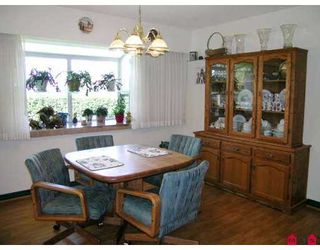 Photo 3: 11443 MCBRIDE Drive in Surrey: Bolivar Heights House for sale (North Surrey)  : MLS®# F2709020