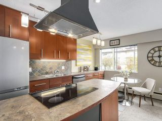 """Photo 2: 204 36 E 14 Avenue in Vancouver: Mount Pleasant VE Condo for sale in """"Rosemont Manor"""" (Vancouver East)  : MLS®# R2166015"""