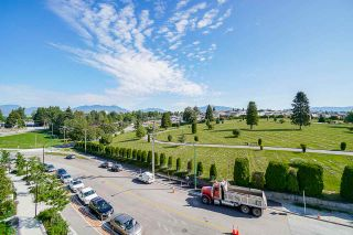 """Photo 35: 701 4189 HALIFAX Street in Burnaby: Brentwood Park Condo for sale in """"AVIARA"""" (Burnaby North)  : MLS®# R2477712"""