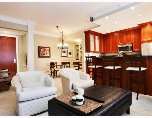 Main Photo: 106 4685 VALLEY Drive in Vancouver: Quilchena Condo for sale (Vancouver West)  : MLS®# V725288