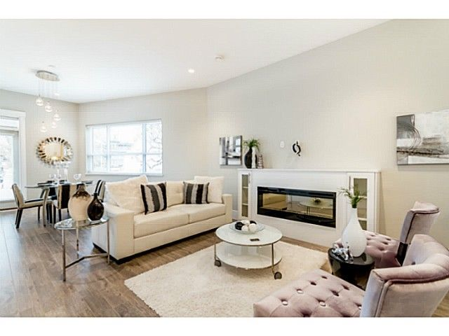 Main Photo: 1243 E 11TH Avenue in Vancouver: Mount Pleasant VE 1/2 Duplex for sale (Vancouver East)  : MLS®# V1059812