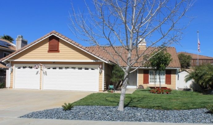 Main Photo: Detached for sale: 544 PACESETTER in OCEANSIDE