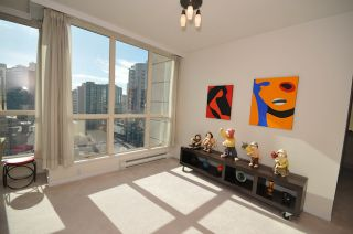 """Photo 7: 1204 1111 HARO Street in Vancouver: West End VW Condo for sale in """"ELEVEN ELEVEN HARO"""" (Vancouver West)  : MLS®# V876639"""