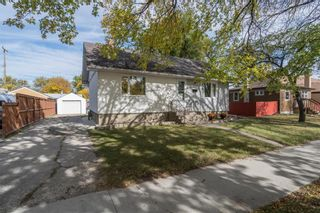 Photo 1: 415 Kildare Avenue West in Winnipeg: West Transcona Residential for sale (3L)  : MLS®# 202024912