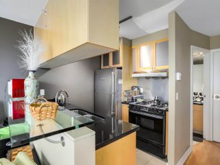 """Photo 8: 505 1003 BURNABY Street in Vancouver: West End VW Condo for sale in """"The Milano"""" (Vancouver West)  : MLS®# R2276675"""