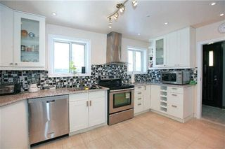 Photo 7: 190 Cedar Avenue in Richmond Hill: Harding House (Bungalow) for sale : MLS®# N3131080
