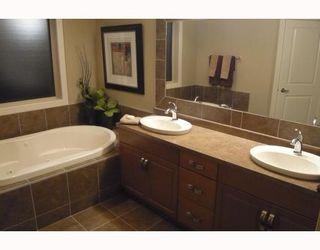 Photo 8: 30 KITTIWAKE Place in Winnipeg: Residential for sale : MLS®# 2912888