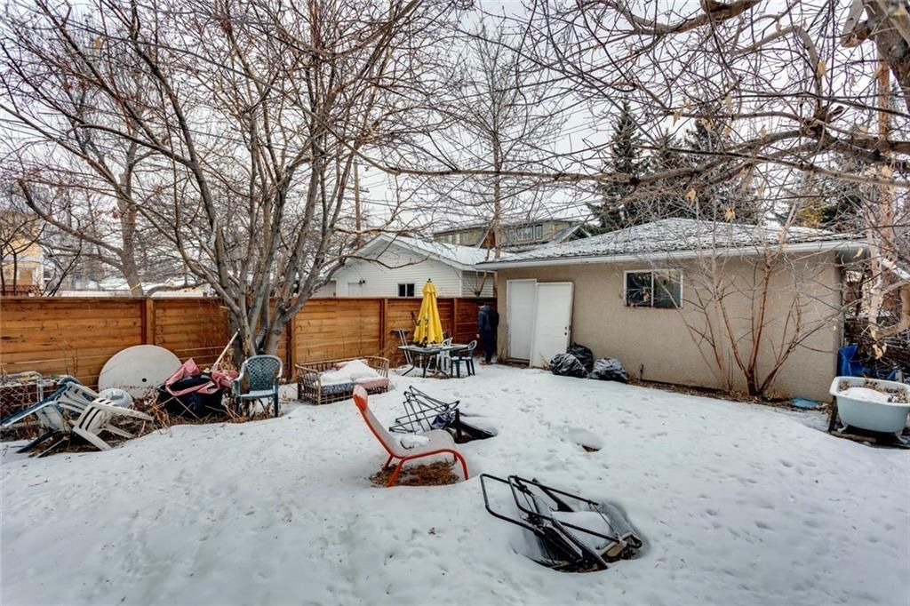 Photo 14: Photos: 1636 BOWNESS Road NW in Calgary: Hillhurst Detached for sale : MLS®# C4291590