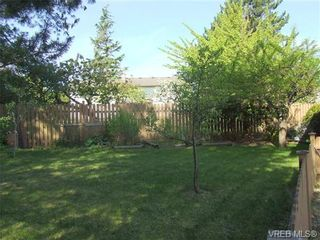 Photo 17: 2371 Moore Pl in VICTORIA: CS Tanner House for sale (Central Saanich)  : MLS®# 669843